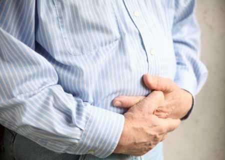 Симптомы ущемления грыжи белой линии живота